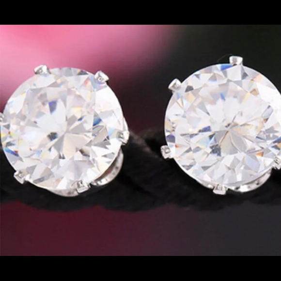 75d42deb4b0c4 SUPER BLING CRYSTAL STUD EARRINGS SPARKLE NWT